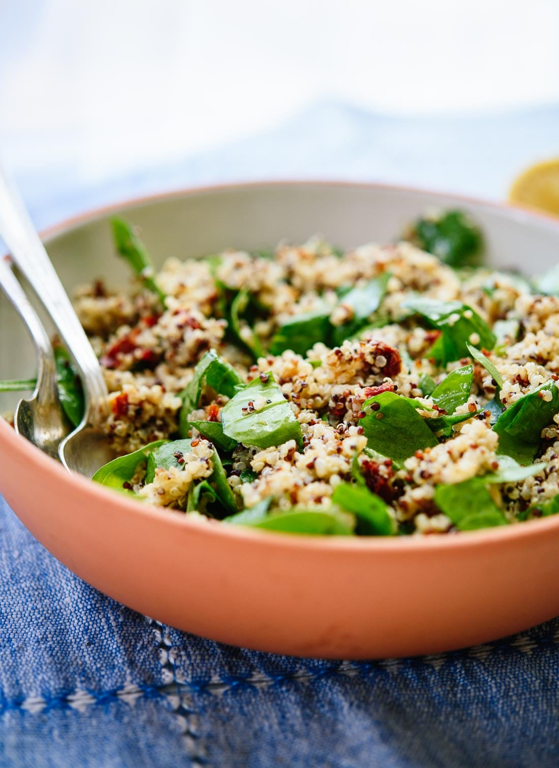 30 fabulous quinoa recipes tommys superfoods sun dried tomato spinach quinoa salad recipe forumfinder Images