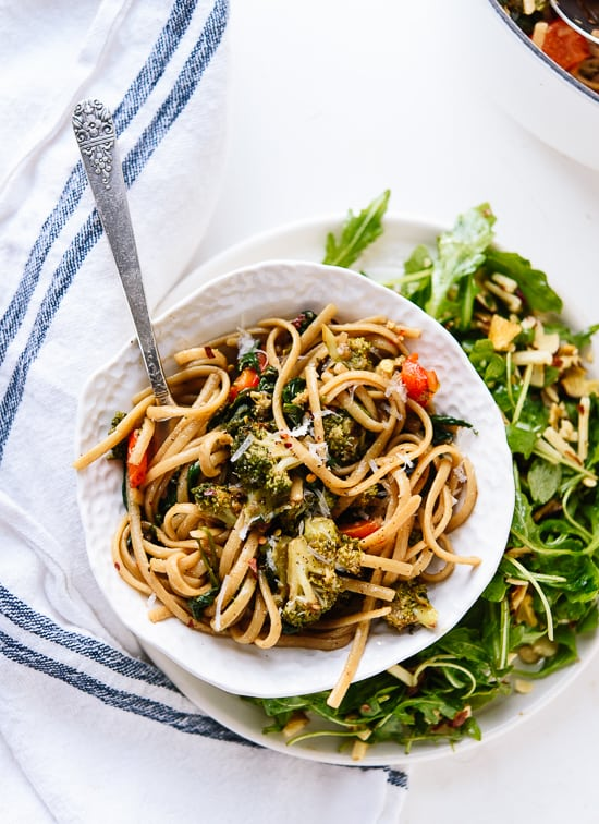 spinach-pasta-with-roasted-broccoli-and-bell-pepper
